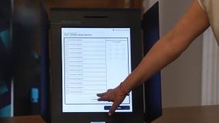 Още 2 000 машини били необходими за избори 2 в 1