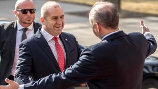 """Радев призовава инициативата """"Три морета"""" да премине към икономическа конкретика"""