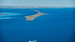 Руска фрегата се заби в контейнеровоз в датски води