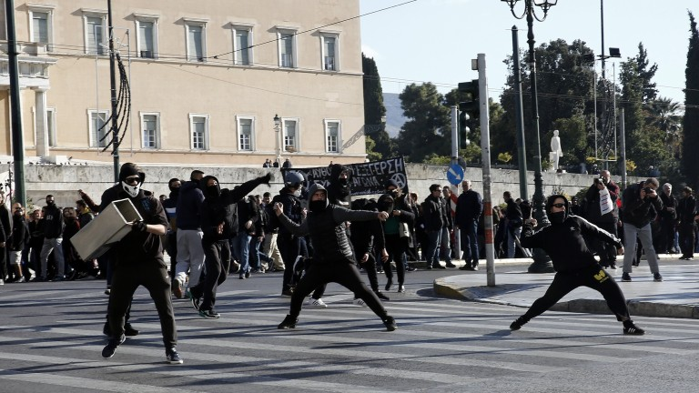 Бунт на ученици в Гърция срещу затоплянето на отношенията с Македония