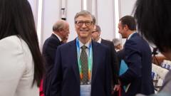 Бил Гейтс преоткрива тоалетните технологии на изложение в Пекин