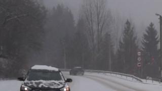 АПИ обяснява купуването на два нови джипа със зимните условия