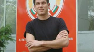 Стойчо Младенов се разделя с Наварини