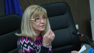 """Държавата ще гласува """"против"""" поскъпването на водата, уверява Аврамова"""