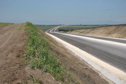 """Довършват 470-метровия мост на автомагистрала """"Марица"""""""
