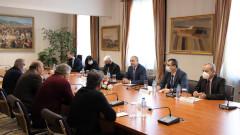 Несправянето с битовата престъпност обсъди Радев с кметовете на малките населени места