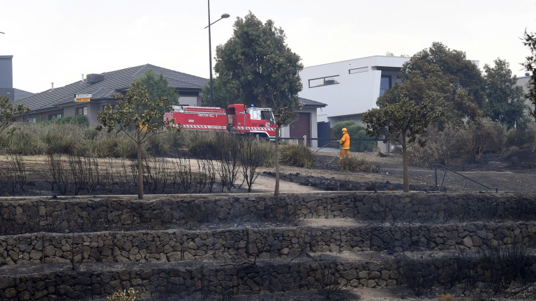 Множество пожари бушуват извън контрол в цяла Австралия на фона