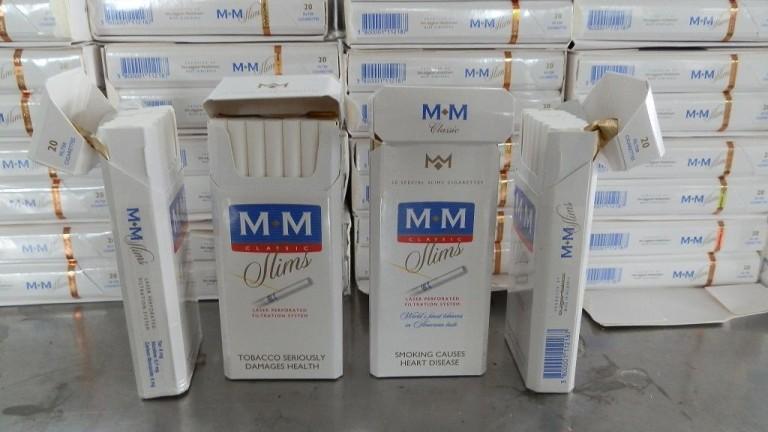 37 800 къса контрабандни цигари откриха в автобус с българска