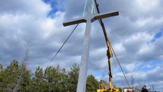 Поставят 7-метров кръст на връх Острец над село Мусомища