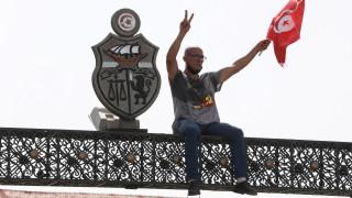 Ще продължи ли Тунис да бъде успешната история на Арабската пролет?
