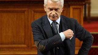 Сидеров задържал депутати с коледни бонуси?