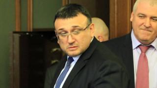 Бегълците от затвора ще бъдат открити, убеден е Младен Маринов