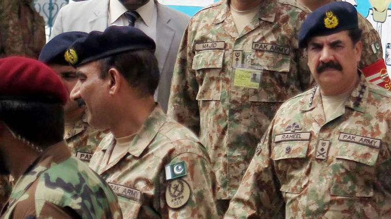 В Пакистан задържаха 300 членове на ДАЕШ