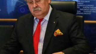 ЕС обещава да спаси Украйна от несъстоятелност
