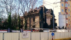 Чакат строежа на метрото за надстрояване на къщата на Гешов