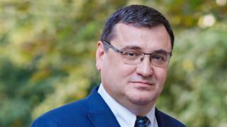 Славчо Атанасов пита Горанов: Нареждате масово вдигане на данъците?