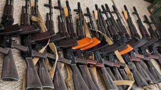 Хората в Косово масово с незаконни оръжия