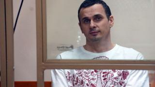 Жизнените показатели на режисьора Олег Сенцов вече са опасно ниски