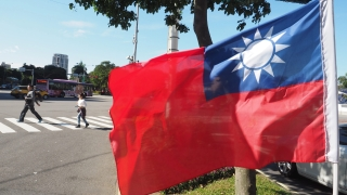 """Китай """"показва мускули"""" пред Тайван, който пък зове за спокойствие"""