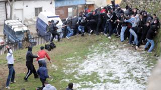 """Македонската полиция """"взе страха"""" на албанците"""