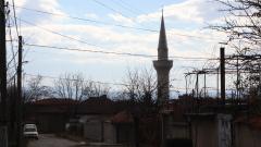 Вятърът съборил минаре на джамия в Омуртаг