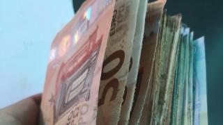 """Жена опита да пренесе 62 000 евро в бельото си през """"Калотина"""""""