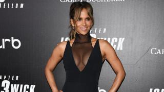 """Колко секси беше Хали Бери на премиерата на """"Джон Уик 3"""""""