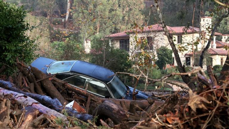 Калифорнийските власти призоваха за помощ отгражданите притърсенето на седемте души,
