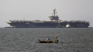 Във виетнамски води за пръв път от 40 г. акостира американски самолетоносач