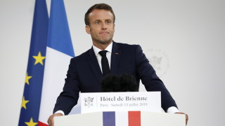 Франция създава космически сили