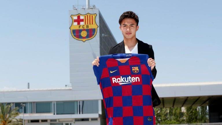 Барселона обяви поредното си ново попълнение. Това е японското крило