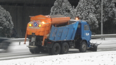 Общо 350 машини почистват пътищата в страната