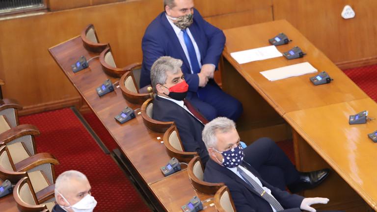 ВМРО предлагаосвобождаване от плащания на патенти, местни данъци и такси