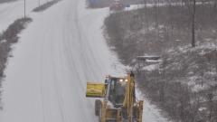 717 машини работят по пътищата в страната