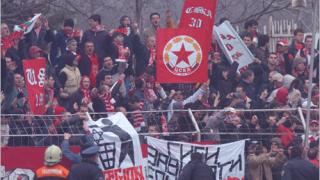 Фенове на ЦСКА потрошиха седем автобуса след мача с Тулуза