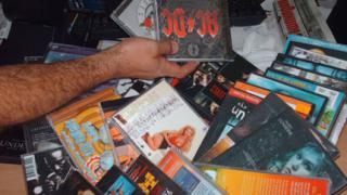 Икономическа полиция взе на прицел музикалните магазини