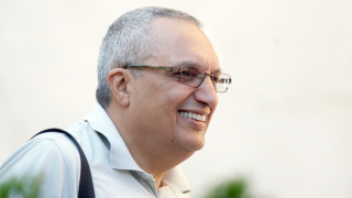 Властта да постави на място турското посолство, призова Костов