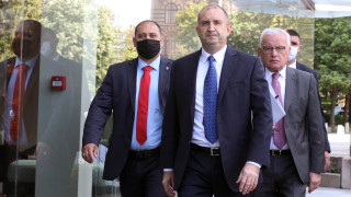 За Радев прокуратурата все повече се очертава като политически играч