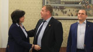 Нинова заявила пред вицепремиера, че властта трябва да си ходи