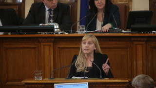 Йончева обвини ГЕРБ, че вкарали корупцията и в детските градини