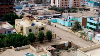 Протестиращите в Судан за първи път достигат до щаба на армията