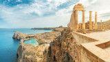 Гърция връхлетяна от рядка мощна буря с ураганен вятър