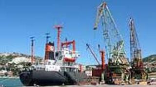 Пристанищата Варна и Бургас са затворени заради мъгла