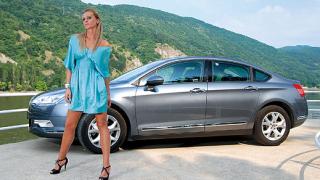 Citroen C5 и Цвети Разложка на корицата на Motor Show (галерия)