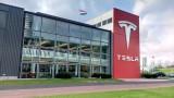 Акциите на Tesla трябва да подскочат с над 20%. Или компанията ще трябва да плати $920 милиона