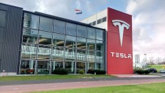 Tesla търси място за първата си гигафабрика в Европа