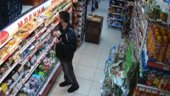 Търговец издирва крадец със запис от охранителна камера