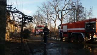 Три къщи пламнаха във врачанското село Търнак
