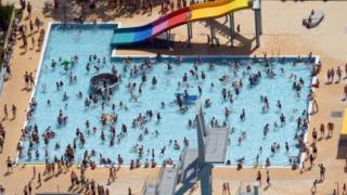Циганите и басейните- нов проблем?