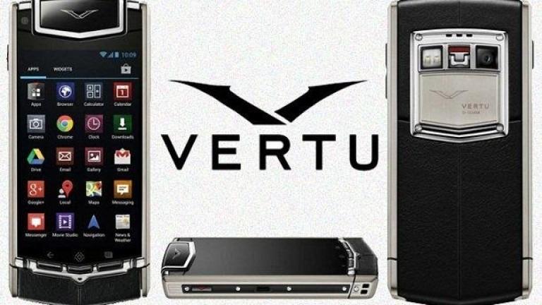 Луксозните модели на Vertu се продават на търг. Ето каква е цената